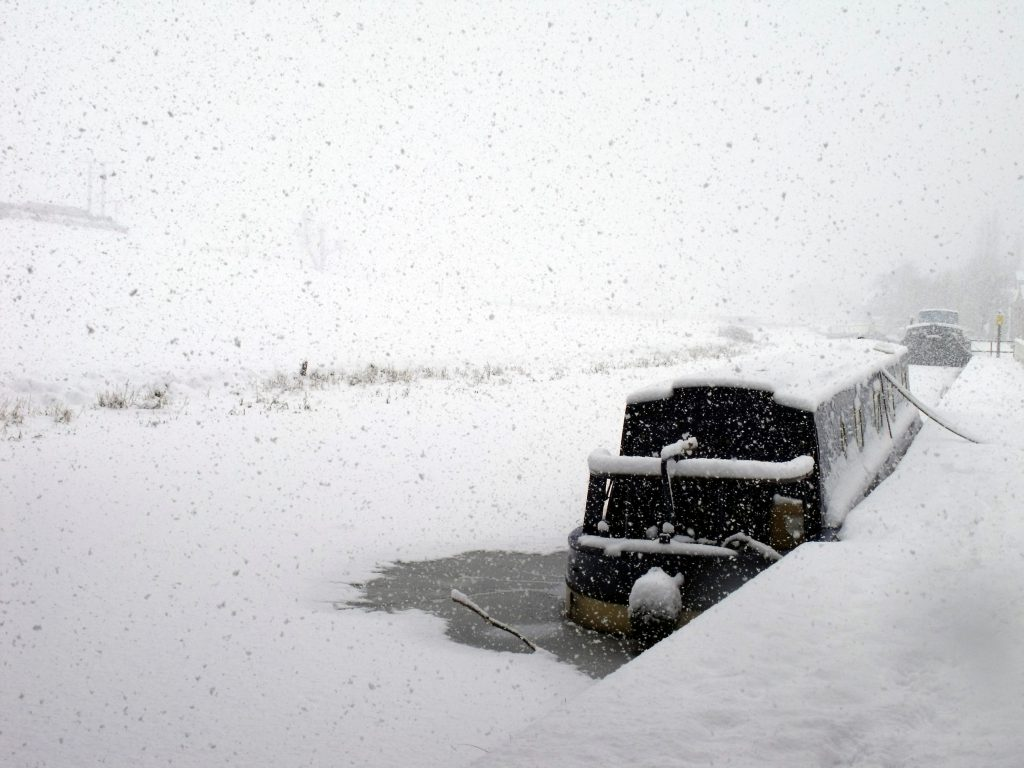 Narrowboat in the snow